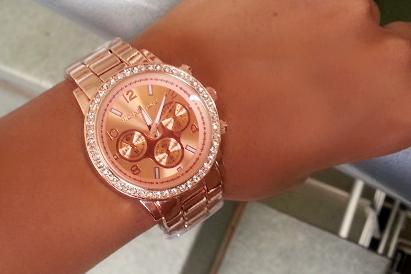 por Relojes MK para dama en 3 modelos a escoger + Delivery, en VICKY